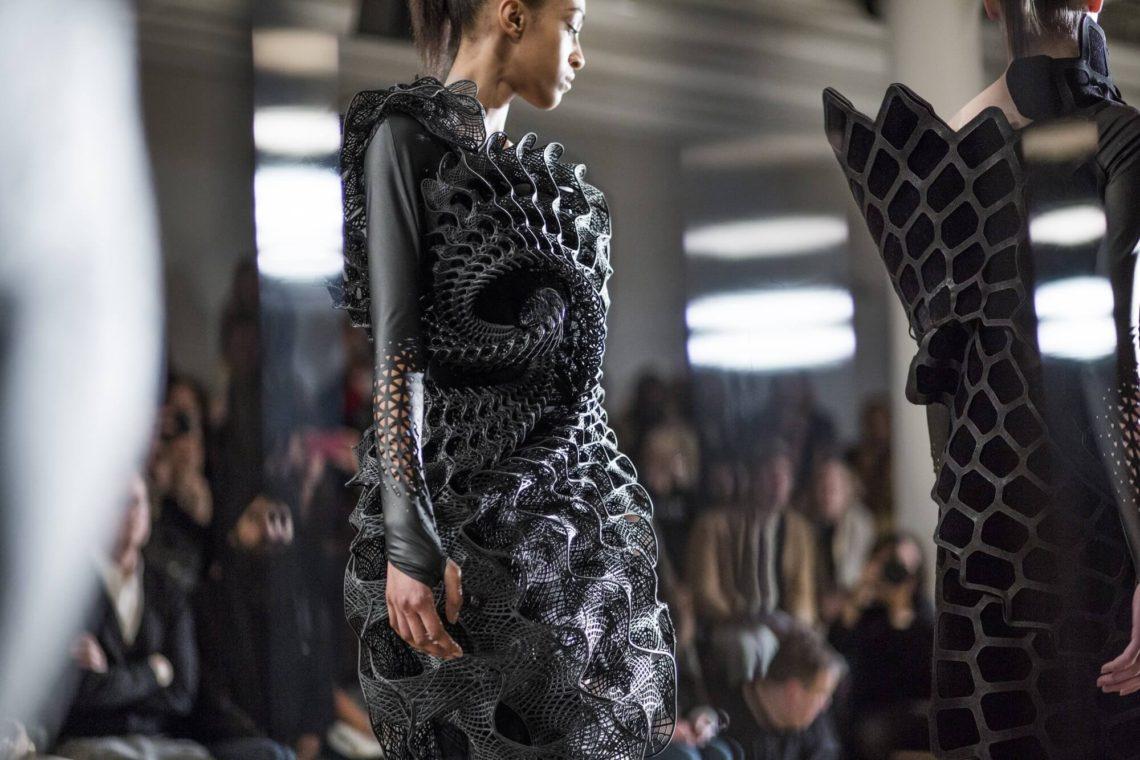 Mintsquare_Journal_Fashion_threeASFOUR 2016 Harmonograph Dress