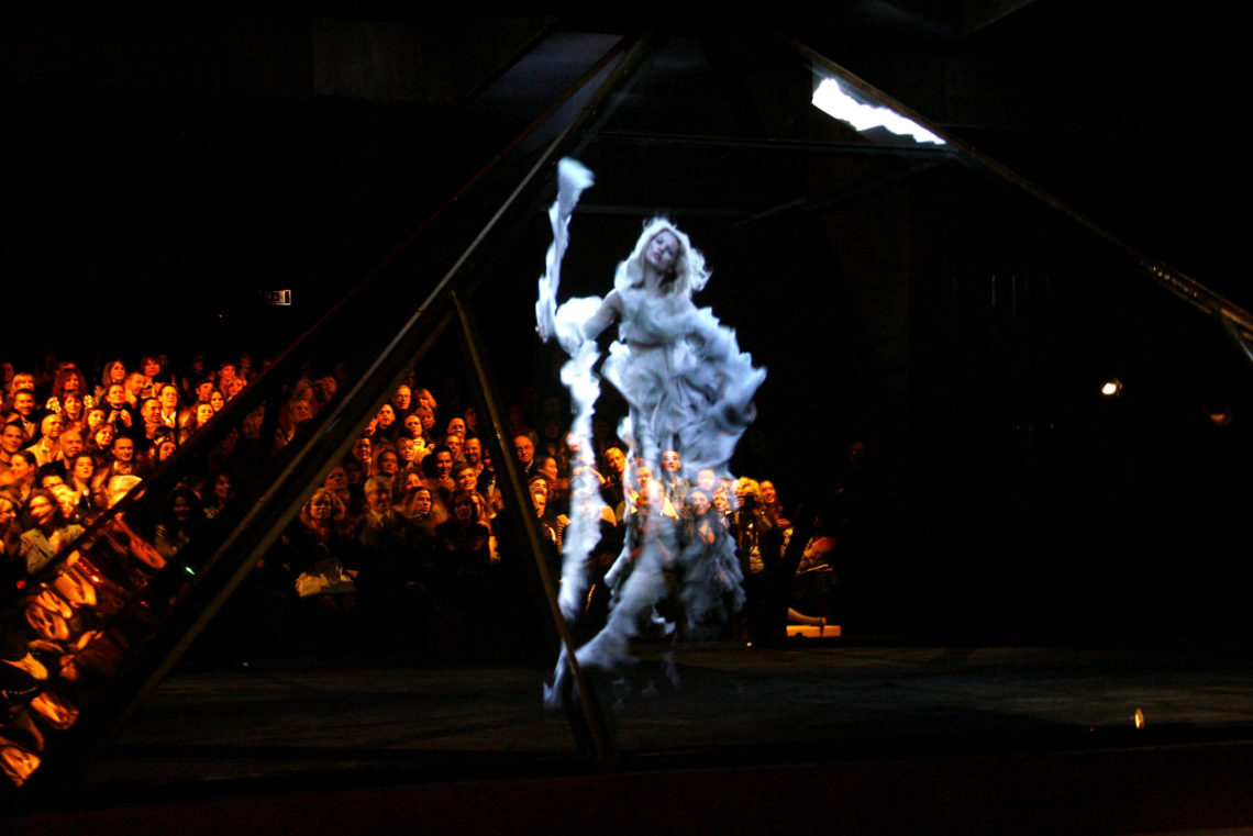 Mintsquare_Holographic Voyage in Fashion_Alexander McQueen_Kate Moss hologram