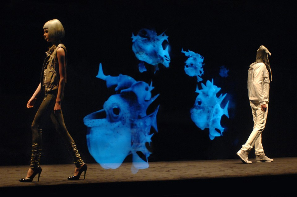 Mintsquare_Holographic Voyage in Fashion_Diesel_Liquid Space
