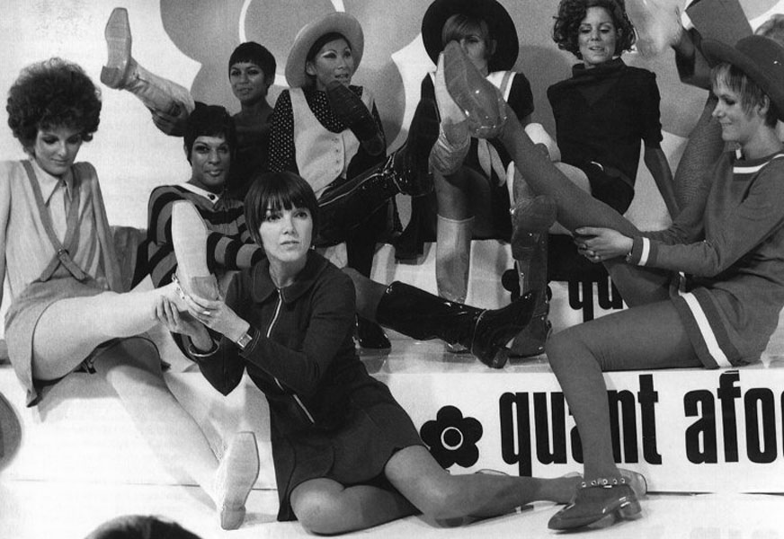 Unveiling-Intriguing-Conversation_Fashion-Religion-at-Met-Costume-Institute_Mary-Quant-with-her-models-wearing-mini-skirts