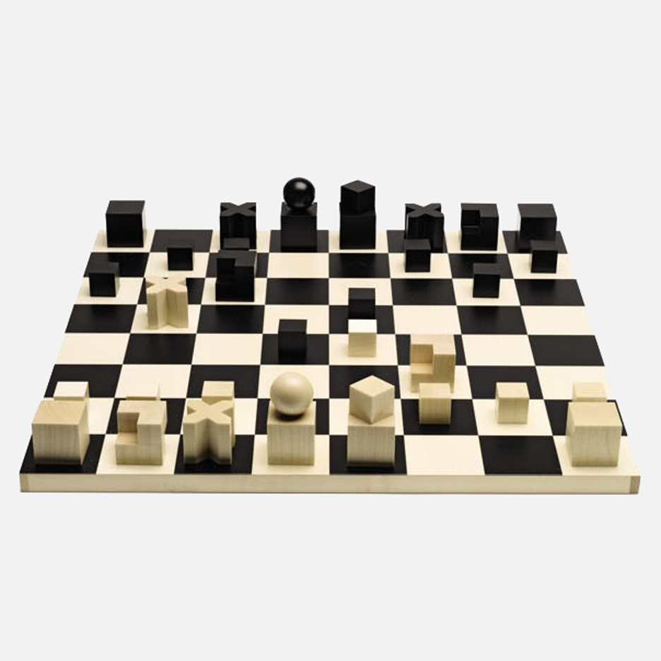 Selected_Happy birthday Bauhaus_chess-set